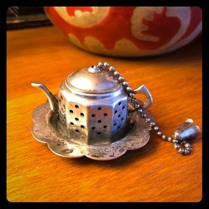 Vintage English Teapot Tea Strainer w/ drip plate